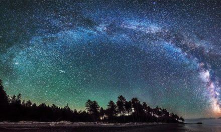 Photographer Captures Amazing Film of Milky Way Galaxy