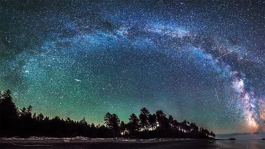 Photographer Captures Amazing Film of Milky Way Galaxy