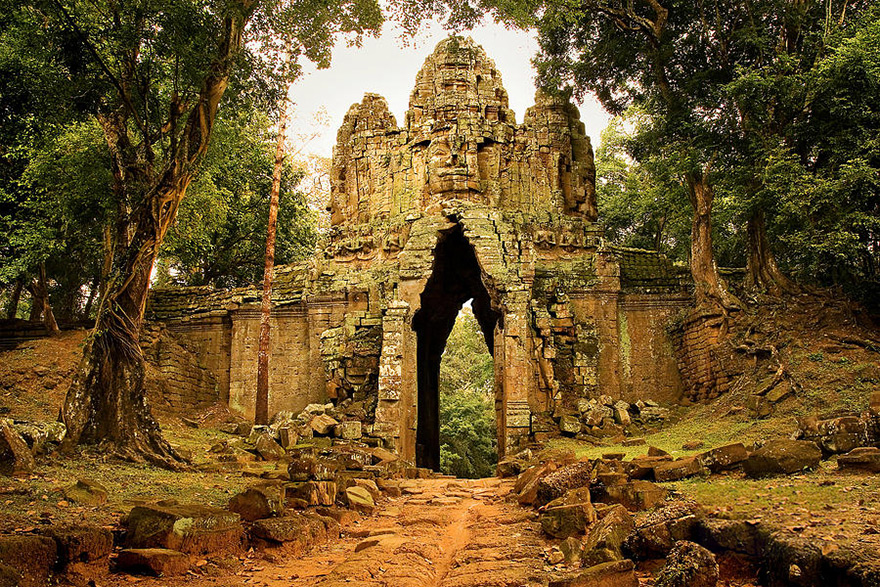 Seeing Ghosts further 35 Amazing Photos From The Ruins Of Angkor Wat Vishnu Temple In Cambodia also 4 in addition Marissa Jaret Winokur Weight Loss Looks Better Than Ever n 2330399 in addition Ghosts. on old scary stories