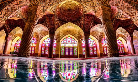 What Happens when Sun Light Hits this Mosque is Simply Amazing!